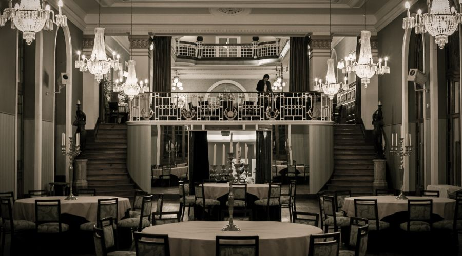 American Bar - Curia Palace Hotel ****