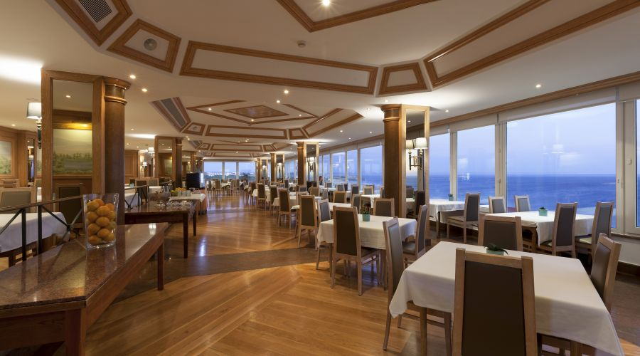 Restaurant & Bar | Hotel Praia Mar